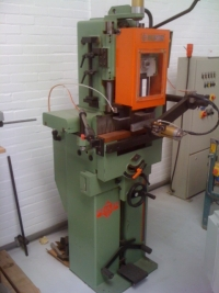 Goldstein GT120M Verticale gatensteekmachine